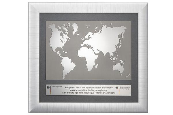 Weltkarte aus Massiv Messing
